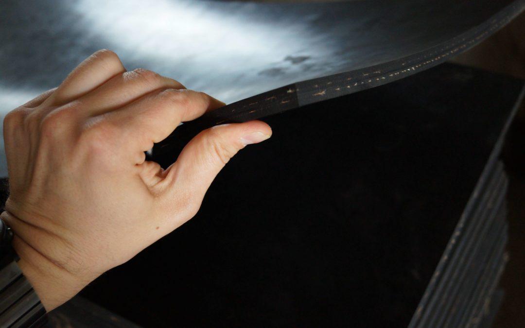 Jak produkuje się płyty iwykładziny gumowe?